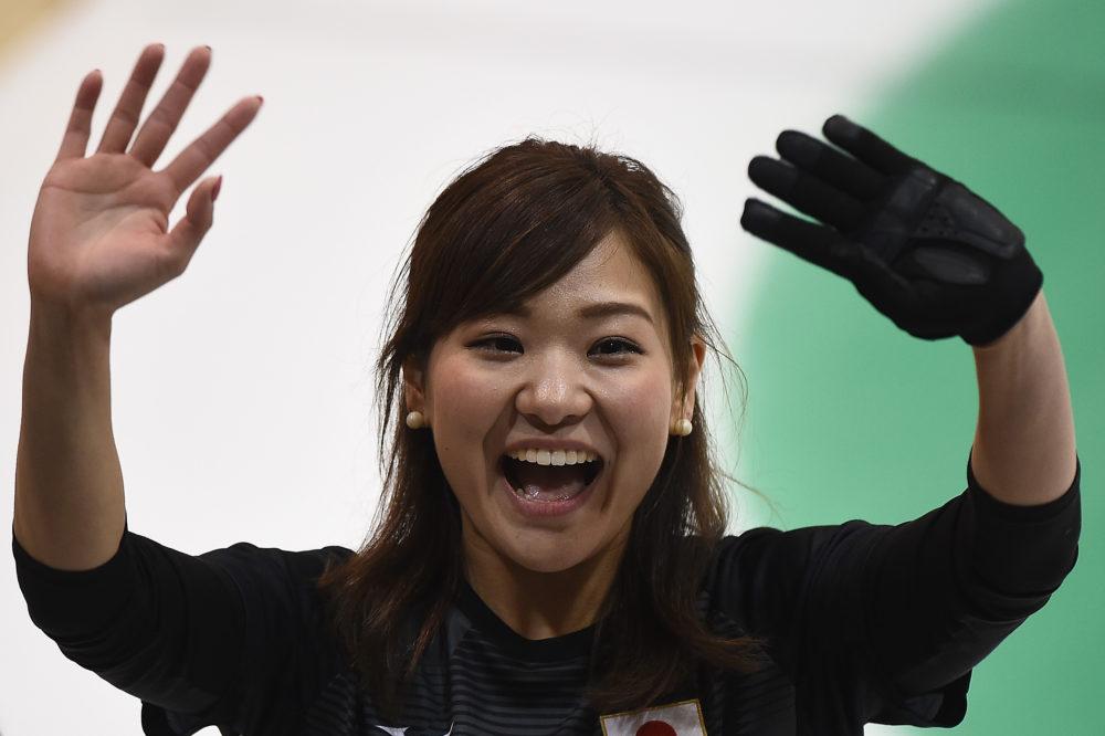 カーリング銅の吉田知那美、元女子フィギュアの武田奈也と祝賀会 画像