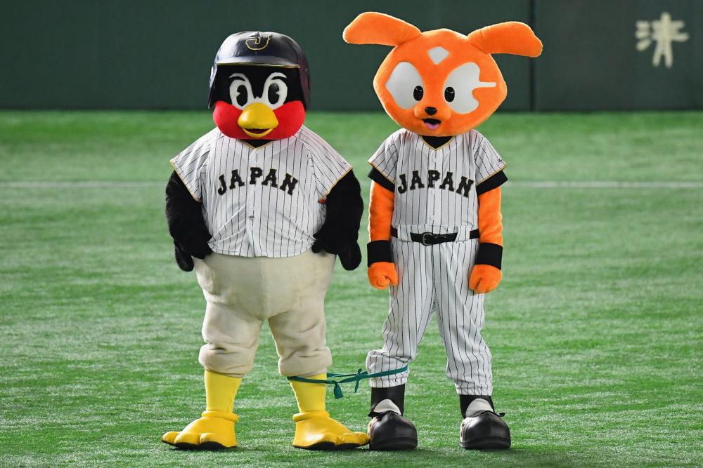 【野球】つば九郎が契約更改 年俸ダウンもヤクルト1000へグレードアップでサイン