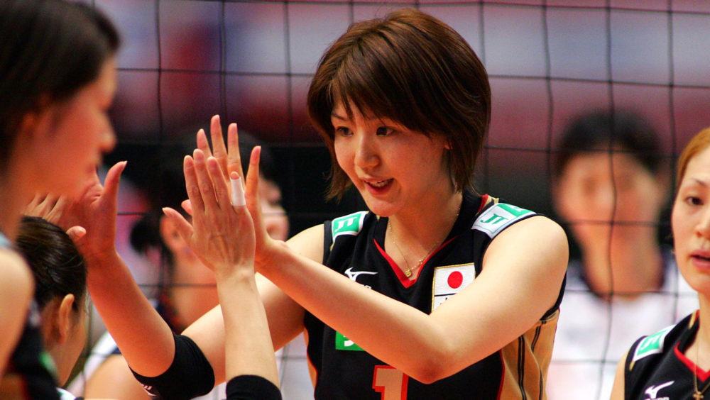 栗原恵、母校のユニフォーム姿に反響「女子高生そのものだーっ!」 画像