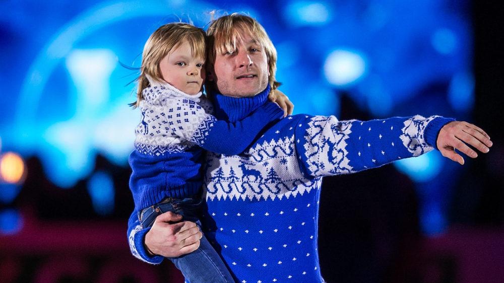 プルシェンコ一家が華麗にスキー!6歳とは思えないサーシャくんの滑りに驚き 画像