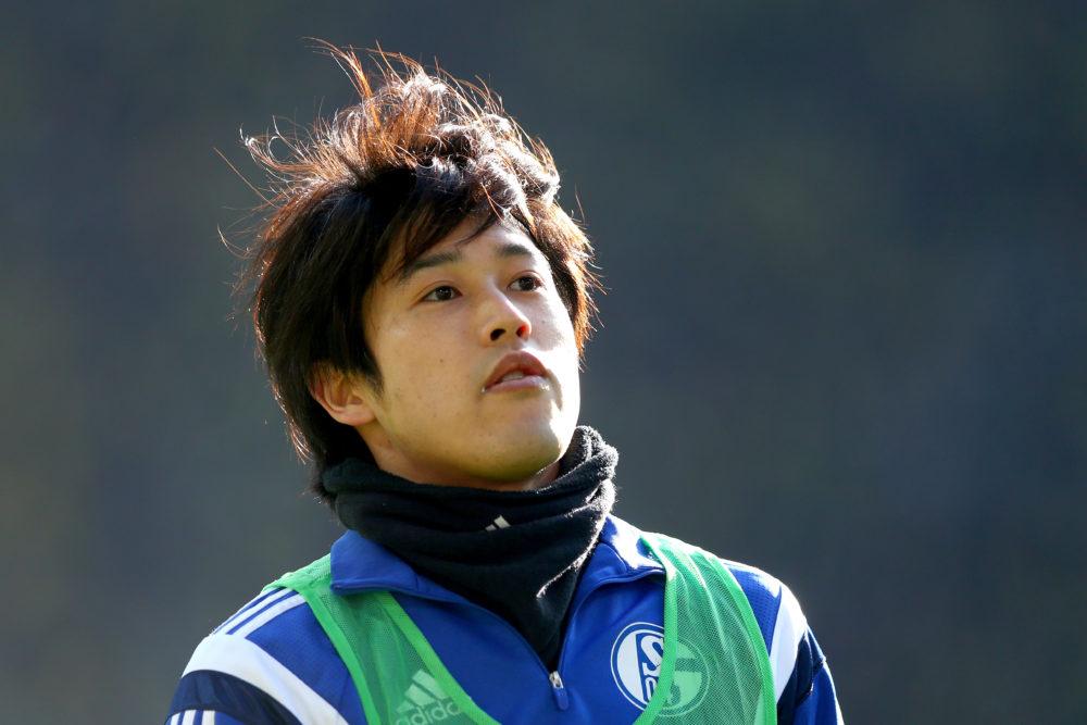 内田篤人の髪型は、ストレートな前髪と癖毛を活かしたスタイリングが特徴的!鹿島入団時から最近までの変遷についても紹介 画像