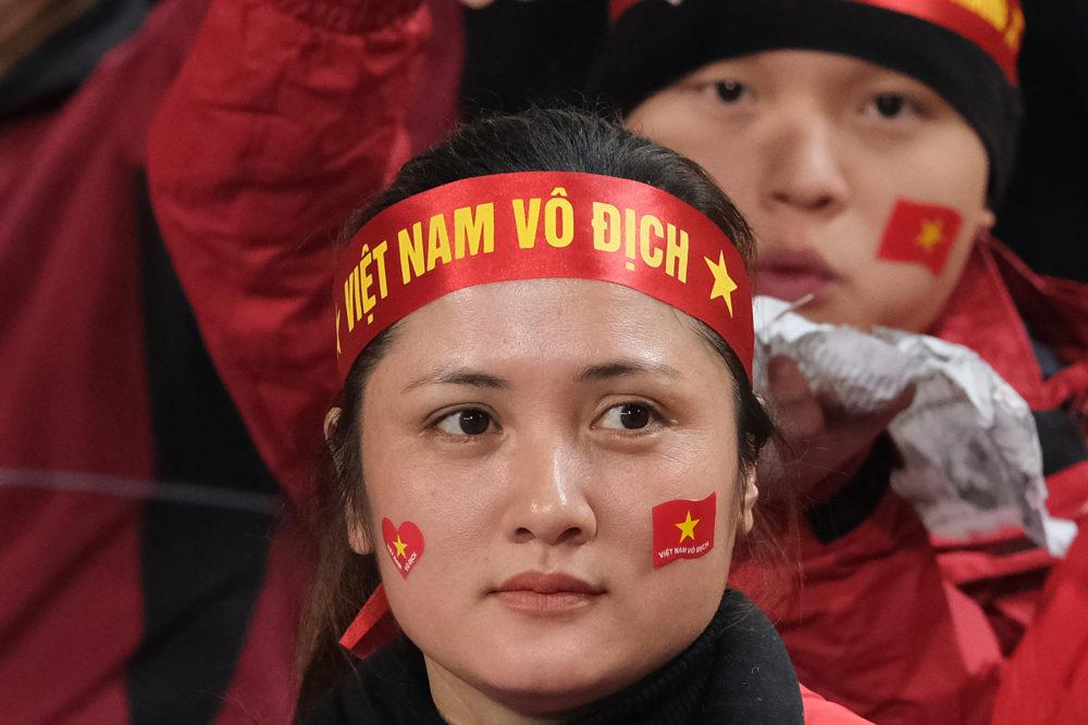 ヨルダン戦勝利でベトナムサポーター大熱狂!国旗を掲げて街中を走り回る様子がすごい 画像
