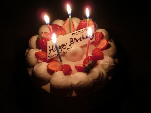 T-岡田、チームメイトに誕生日を祝福されるも…「これはやりすぎやろ」 画像