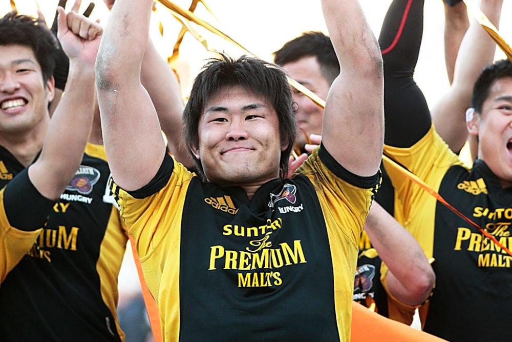 真壁伸弥、何故かゴルフクラブを手に「うまくなるためにウエイトトレーニング開始!」 画像
