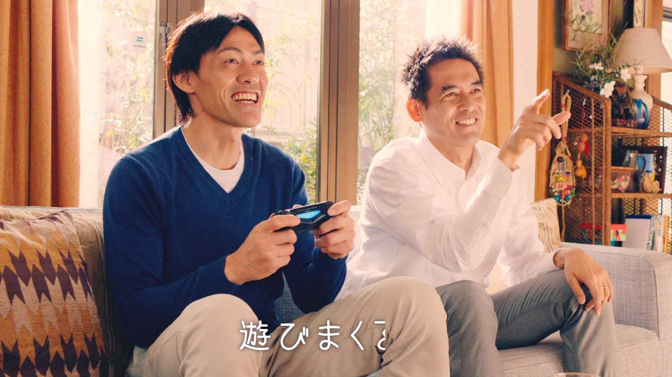 """""""ギスギスしていたほどのライバル""""が仲良くゲーム!川口と楢崎が新CMで共演 画像"""