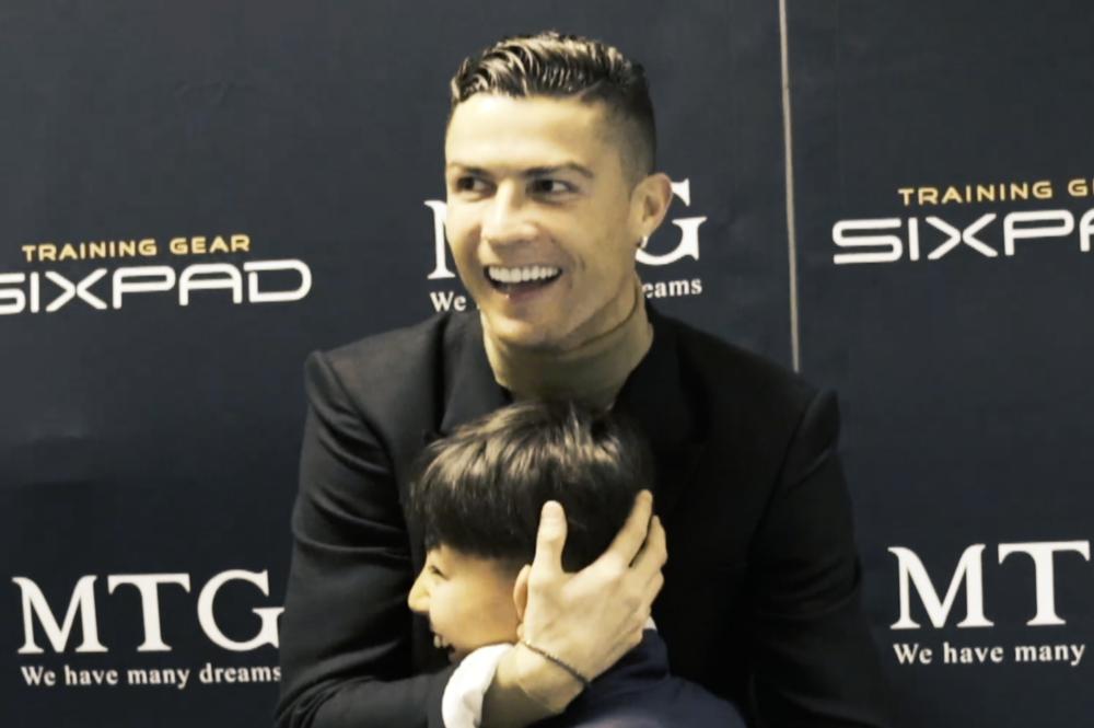 クリスティアーノ・ロナウドのパパとしての素顔…2人の子どもたちの様子が微笑ましい 画像