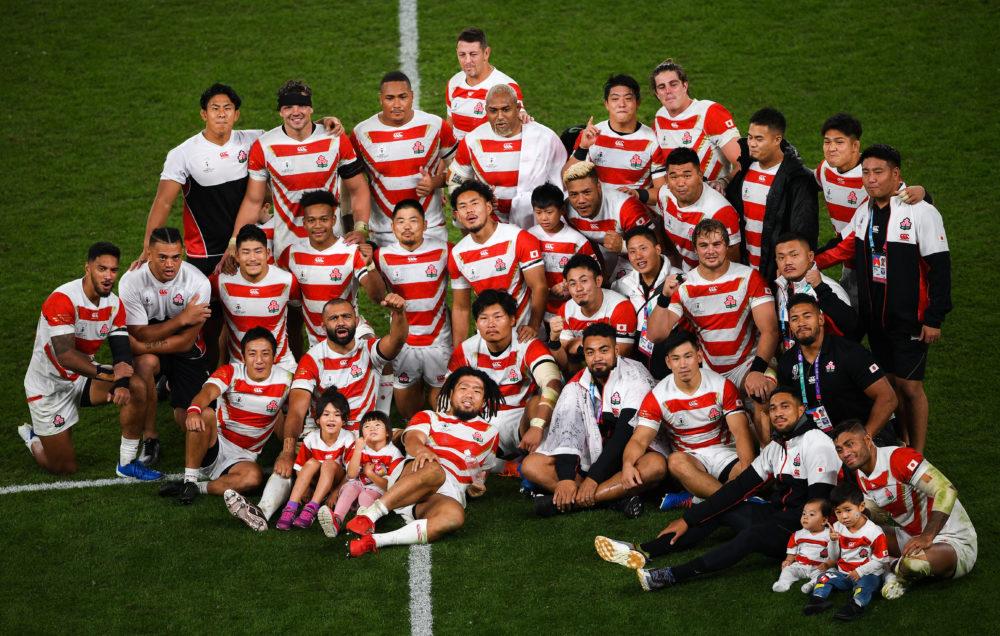 全てを犠牲にしてきた」 ラグビー日本代表、最後の記念撮影は