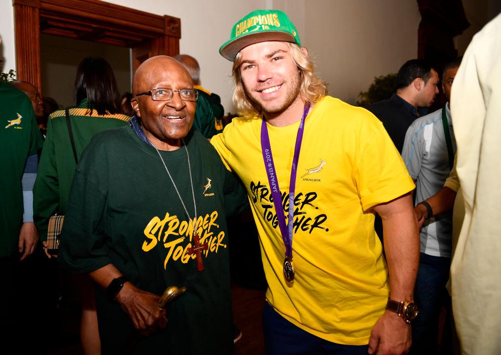 デクラーク、国旗柄のパンツを再び披露 ラグビー南アフリカ代表が優勝パレード 画像