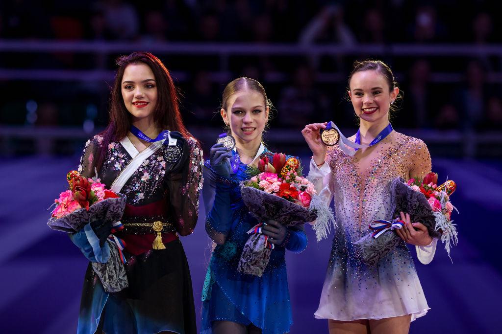 アレクサンドラ・トゥルソワ、ロシア杯優勝に喜び「この勝利は価値あるもの」 愛犬ティナの姿も 画像
