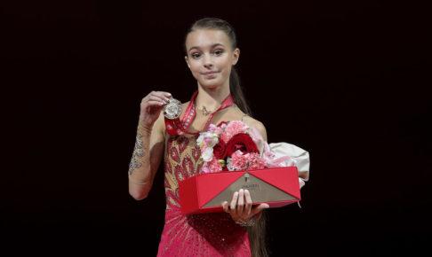 アンナ・シェルバコワ、氷の上では「大人のスケーター」を意識 同門のコストルナヤについても語る