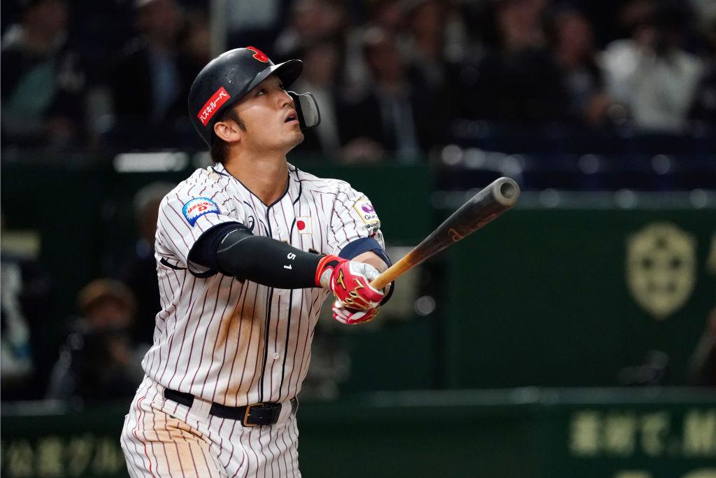 鈴木誠也が結婚を報告 妻・畠山愛理のユニフォーム姿は「思いのほか似合ってました」 画像