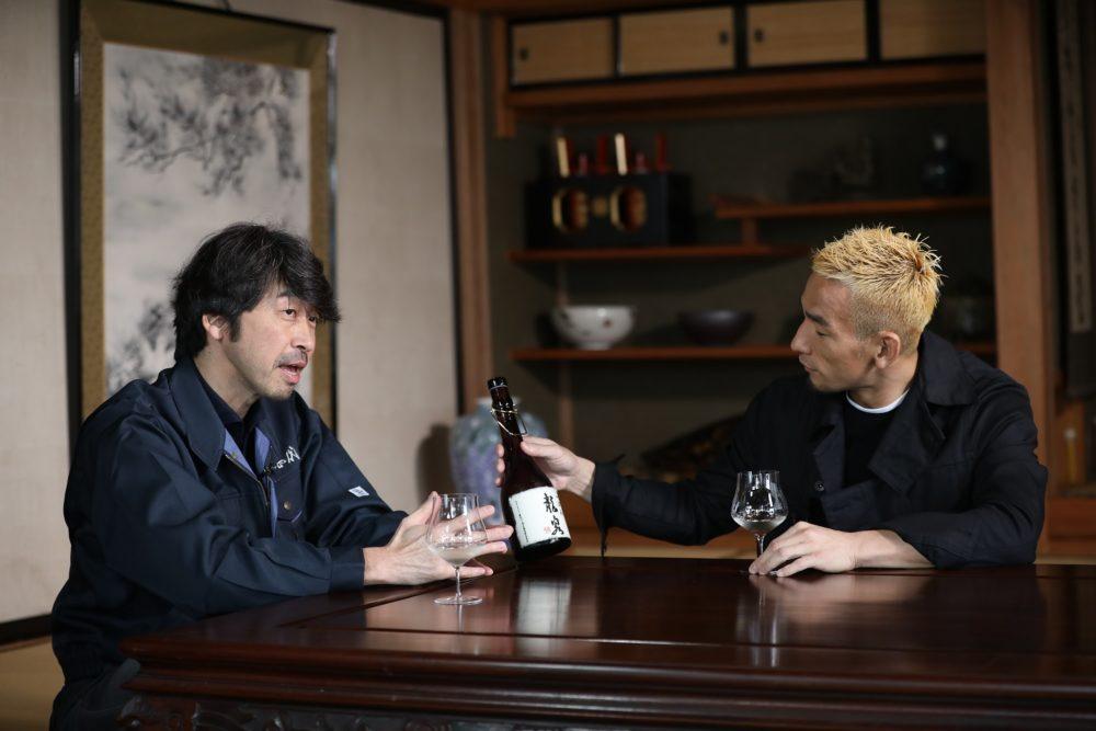 中田英寿が日本酒文化の魅力を語る 酒蔵を訪問、対談する番組が放送決定  画像