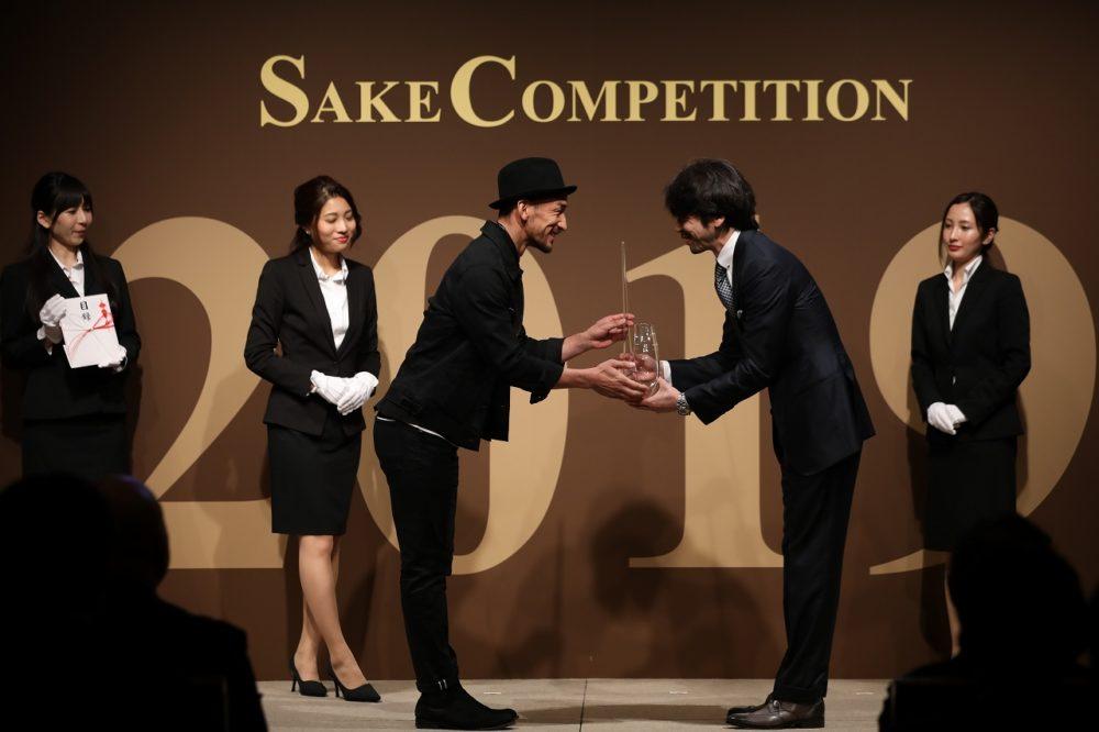 世界一おいしい日本酒を決める日本酒コンペティション「SAKE COMPETITION(サケコンペティション)」では、実行委員の一人でもある中田英寿さんがプレゼンターとして登場