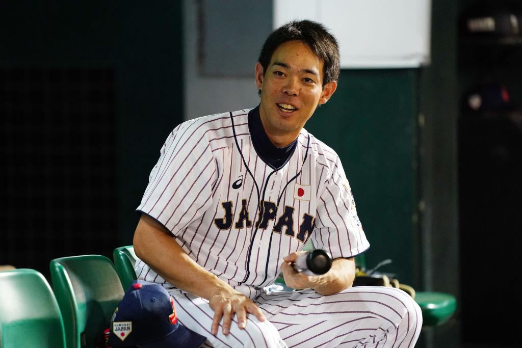 秋山翔吾がレッズと正式契約 「チームを補完してくれる存在」 画像