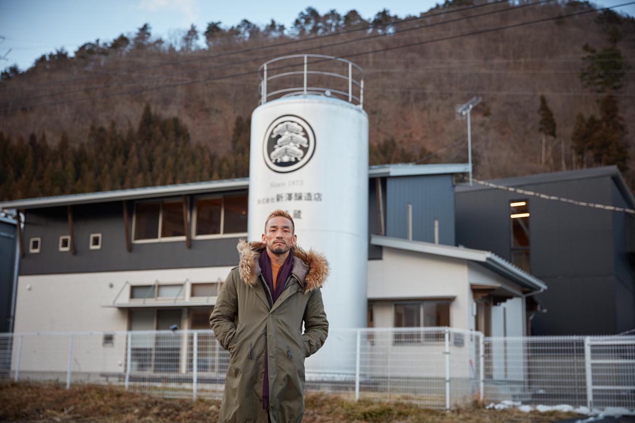 中田英寿、輸出困難な銘柄「ヨーグルト酒」の魅力を発信 「キットカットミニヨーグルト酒」をプロデュース 画像