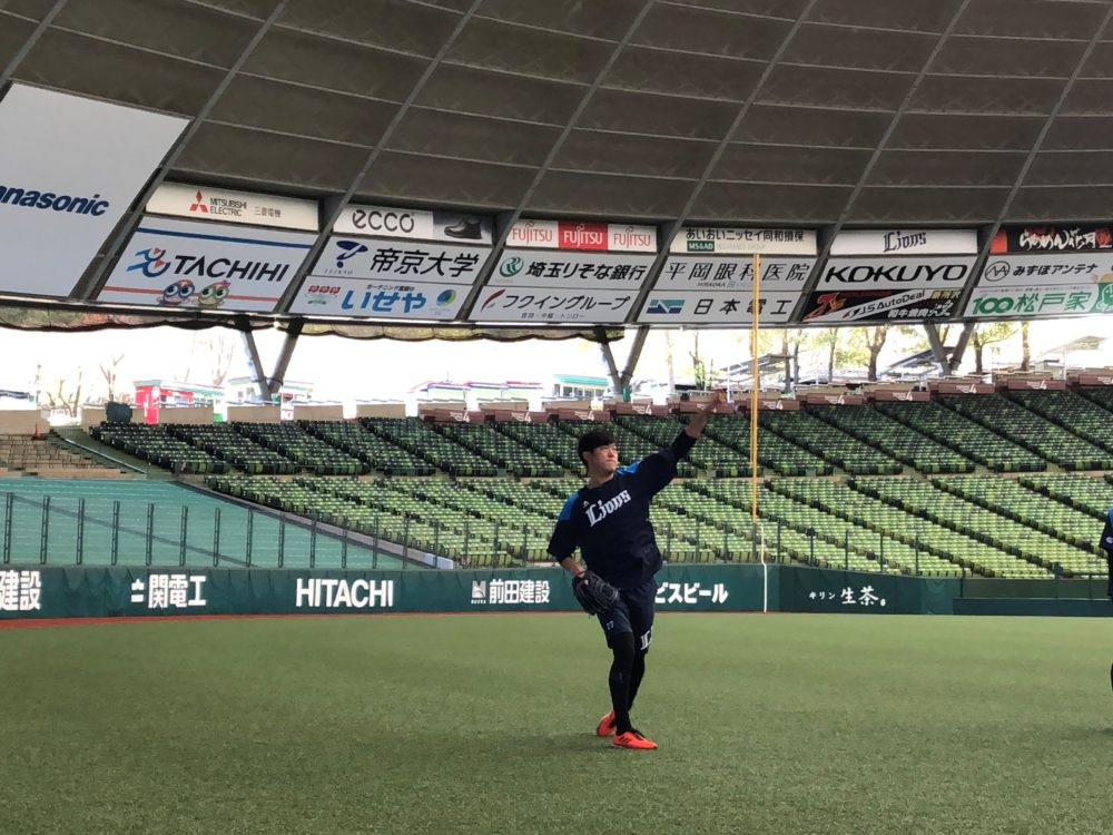 西武・内海哲也、休日は愛息たちのコーチ役に 自身は開幕に向けて前向きに調整 画像