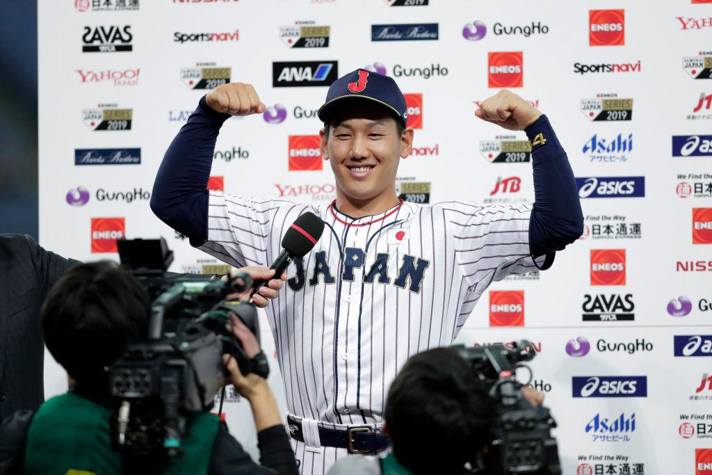 吉田正尚が後輩にTシャツを寄贈「前を向いてやっていきましょう」 画像