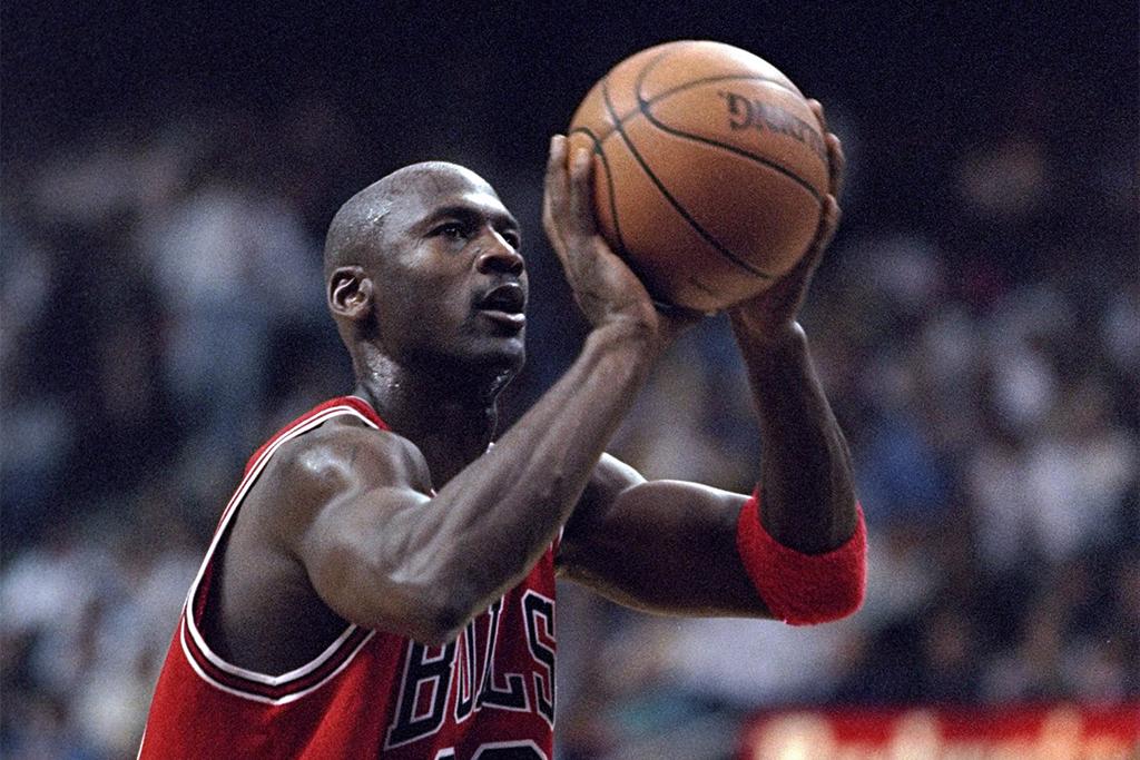 【今日は何の日・1/11~1/17】1999年1月13日「バスケットボールの神様、マイケル・ジョーダンが引退」 画像