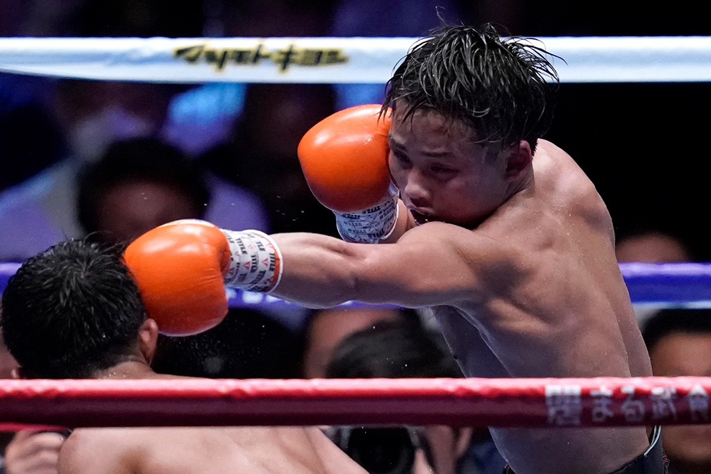 【ボクシング】京口紘人、3度目王座防衛もアクシデントTKOに、ファンは「iron head(鉄頭)」 画像