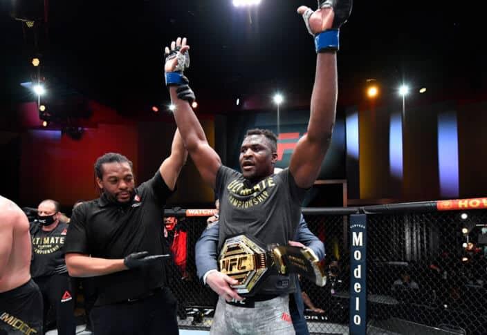 UFC 260:ヘビー級の新王者誕生! ガヌーがミオシッチをノックアウト 画像