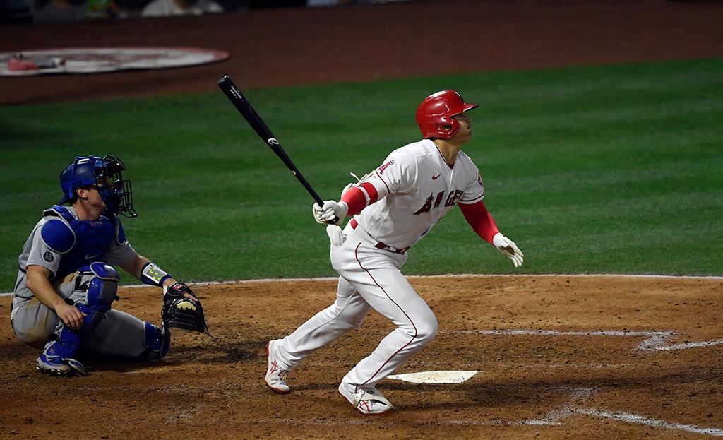【MLB】「彼はスーパーヒューマン」 大谷翔平、右手1本のフェンス直撃打に現地実況も感嘆の声 画像