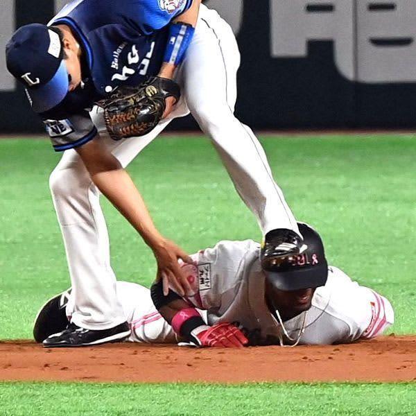 グラシアル右手指骨折と靱帯損傷、球団発表 帰塁で負傷退場 画像
