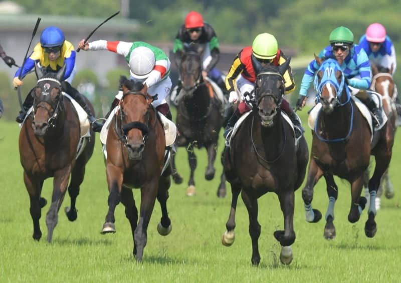 【日本ダービー】4番人気シャフリヤールが接戦制す 皐月賞馬エフフォーリアは鼻差2着 画像