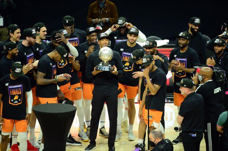 NBA=西地区はサンズがファイナル進出、クリッパーズ下す 画像