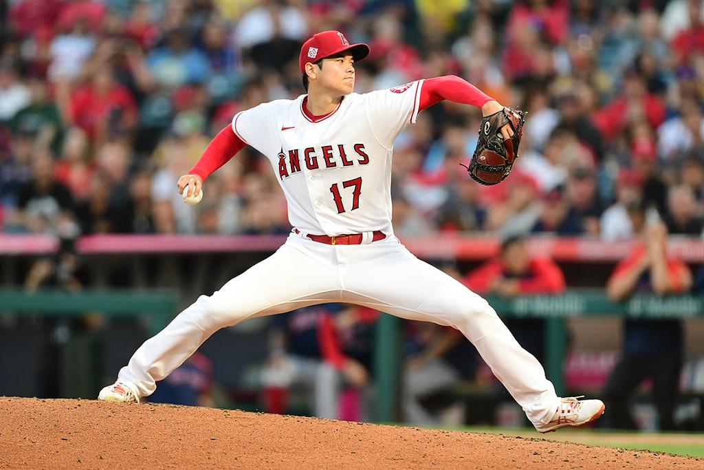 【MLB】大谷翔平、制球難克服で日米通算50勝 今季2度目の無四球投球、自ら同点打で二刀流の本領発揮 画像