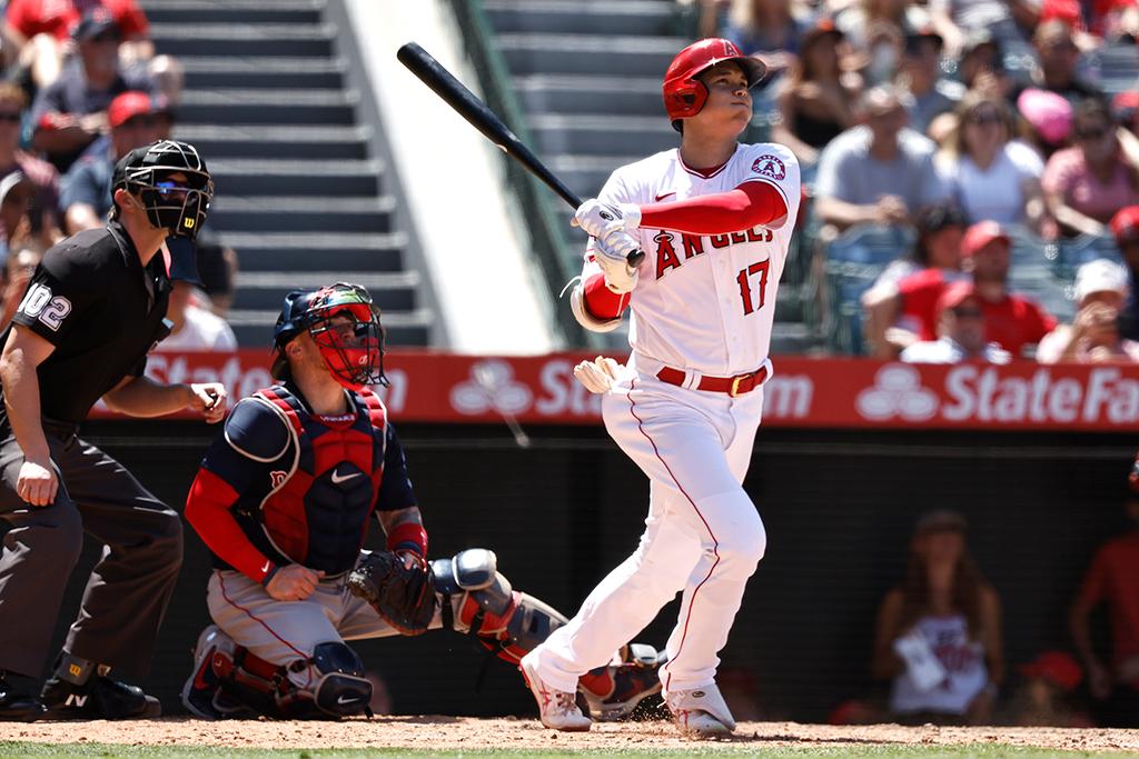 【MLB】大谷翔平、アスレチックス戦は「3番DH」 2本差のゲレーロJr.に迫る45号アーチとなるか 画像