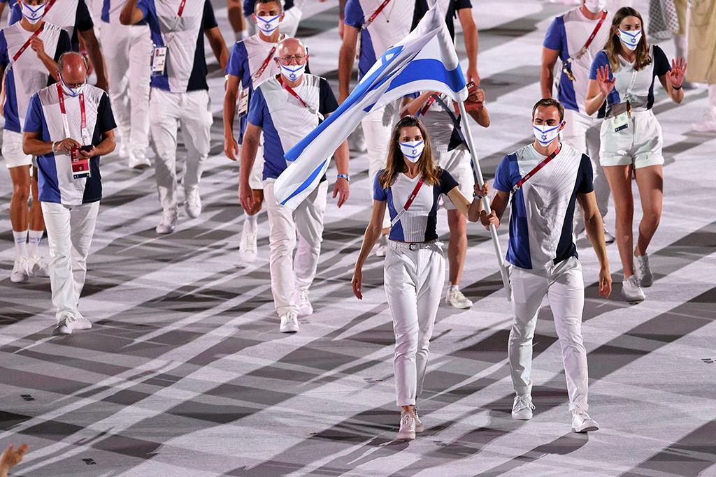 """【東京五輪】イスラエルやカザフスタンの""""美人旗手""""にSNSで脚光 凛とした佇まいに「二度見した」 画像"""