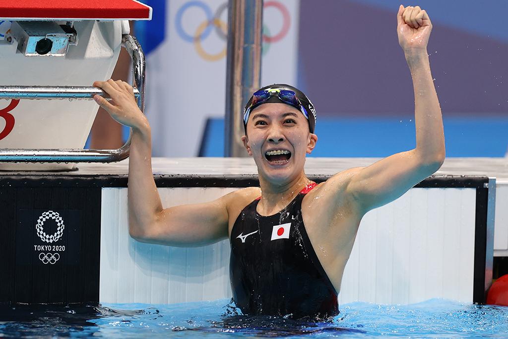 【東京五輪/競泳女子】大橋悠衣、400メートル個人メドレーで金メダル 猛追振り切り「自分を信じて泳いだ」 画像