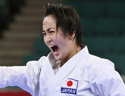 空手、女子形の清水希容が「銀」 初種目、日本勢の第1号メダル 画像