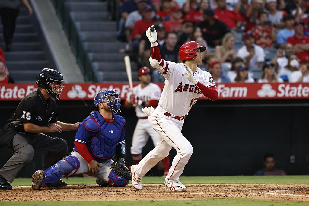 【MLB】大谷翔平、目の前でゲレーロJr.を突き放す38号同点2ラン 「ショーヘイ・ザ・マネー」弾とは? 画像