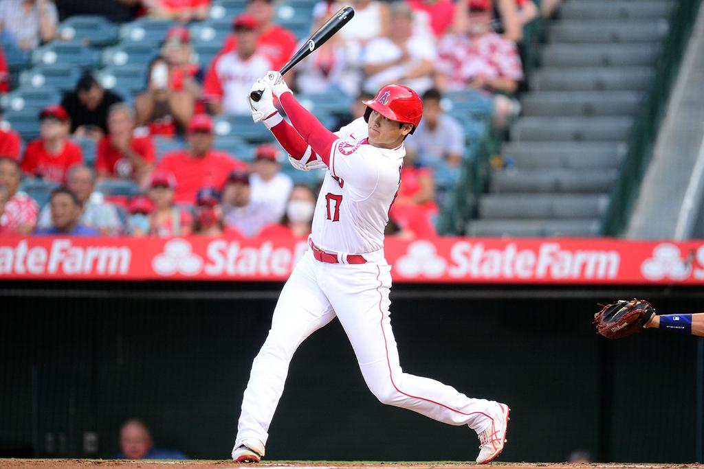 【MLB】大谷翔平、復調予感の大飛球 MLB公式のMVP予想は「ゲレーロJr.がオオタニを超えることはない」