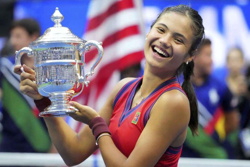 ラドゥカヌが新女王、全米テニス 18歳、予選突破者で史上初 画像